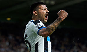 Newcastle_United_Tottenham_Hotspur_15_16